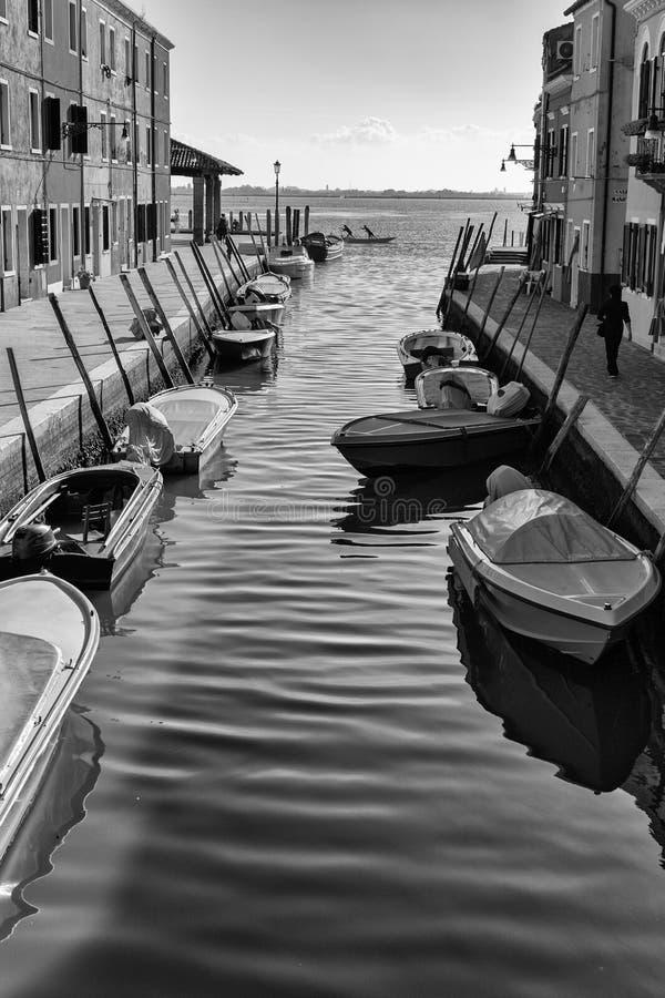 Bâtiments traditionnels dans Burano, Venise Rebecca 36 photos libres de droits