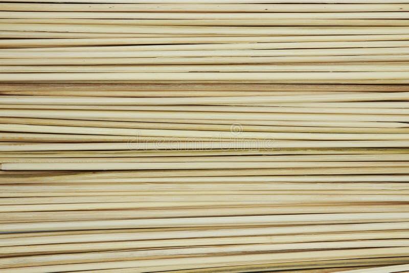 Bâtons en bambou de brochette de bâton pour griller ou la texture de fond de barbecue photographie stock