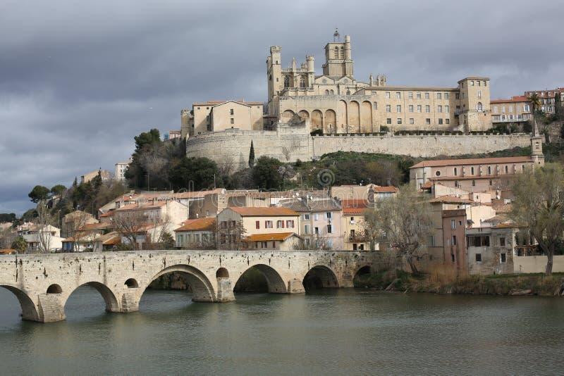 Béziers historique dans des Frances du sud photographie stock