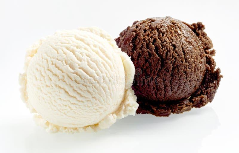 Bälle der Vanille- und SchokoladenEiscreme lizenzfreies stockfoto