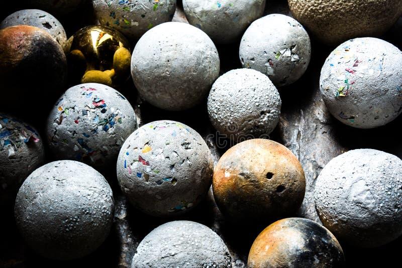 Bälle von natürlichen Mineraledelsteinen lizenzfreie stockfotografie