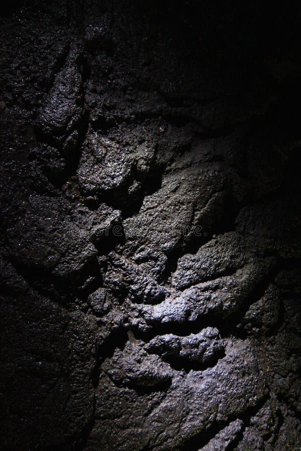 Bänkar i Manjanggul lavagrotta i den Jeju ön Korea royaltyfria bilder