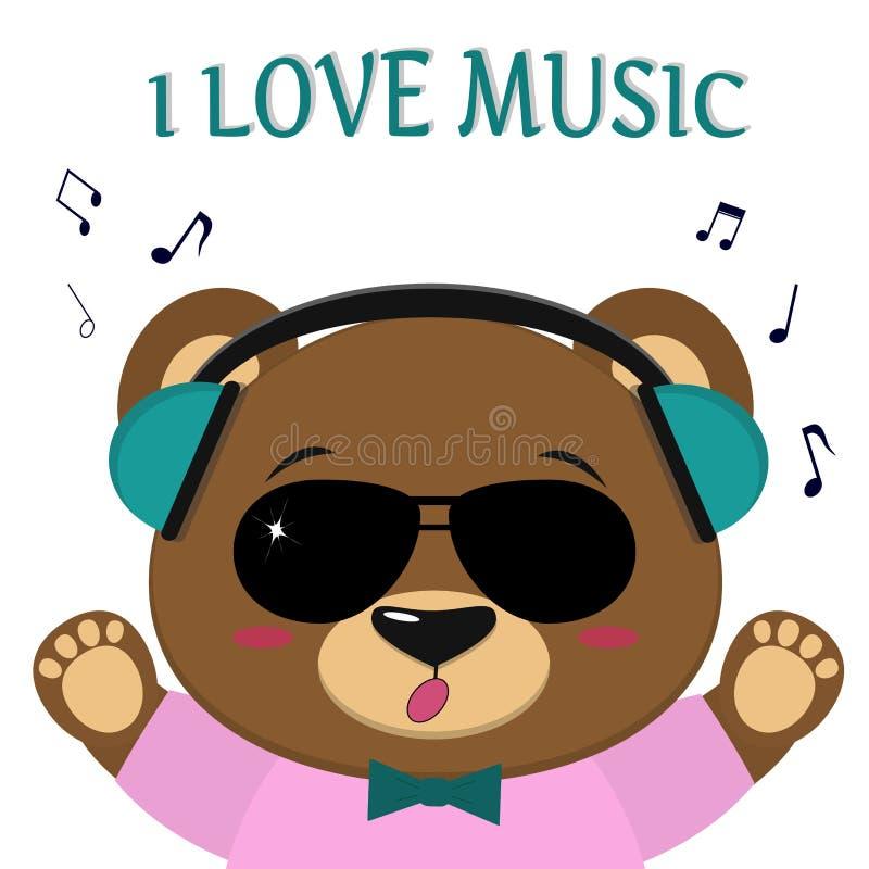 Bär ist ein brauner Musiker, hört Musik und singt In den grünen Kopfhörern, in der Sonnenbrille, in einer Fliege und in einem ros lizenzfreie abbildung