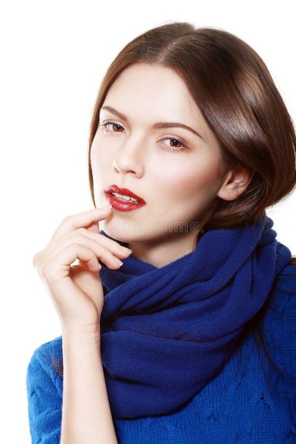 Bära för kvinna som är woolen royaltyfria bilder