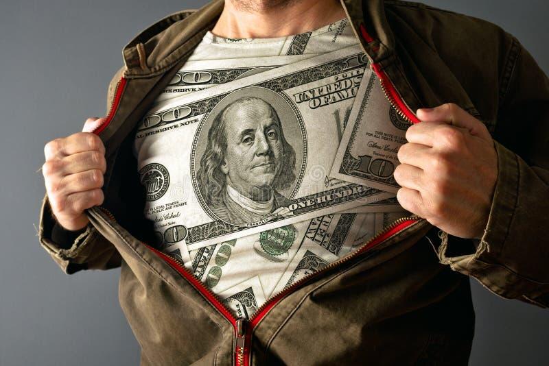 Bärande dollarskjorta för man royaltyfri foto