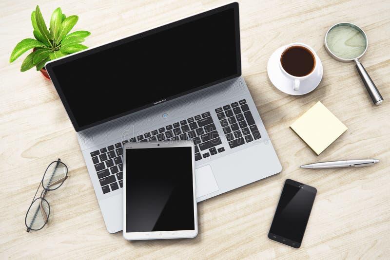 Bärbar dator, minnestavla och smartphone på kontorstabellen royaltyfri illustrationer
