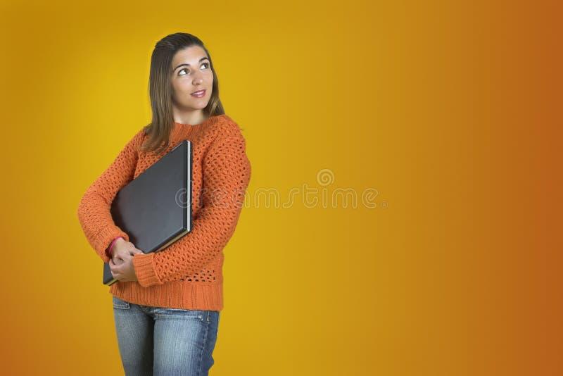bärbar datordeltagarekvinna arkivfoto