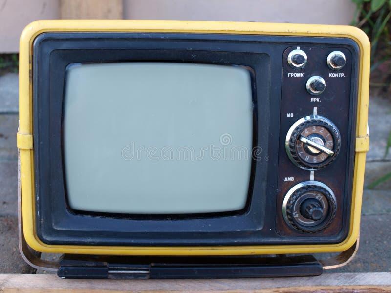 bärbar retro tv royaltyfria bilder