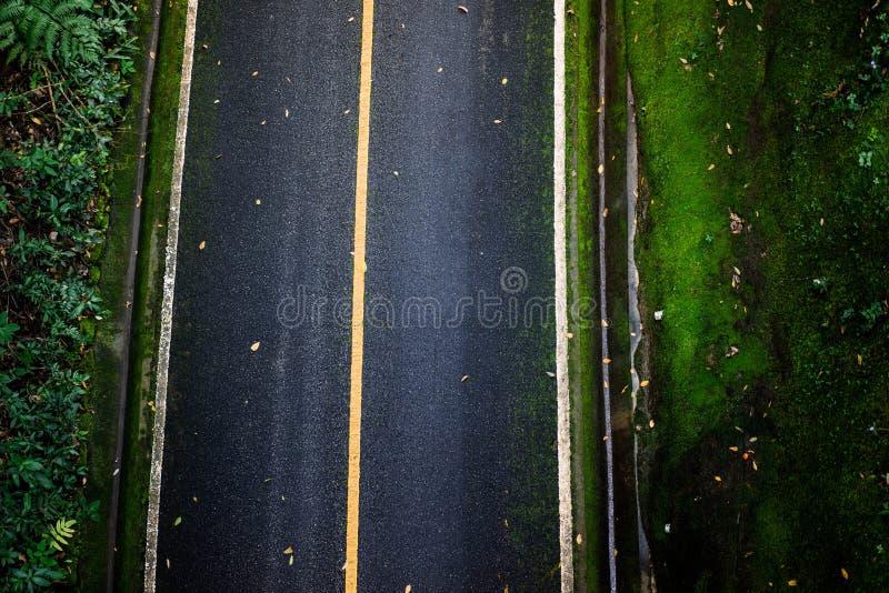 Bästa sikt av asfalttexturbakgrund Tom väg från bästa sikt royaltyfri fotografi