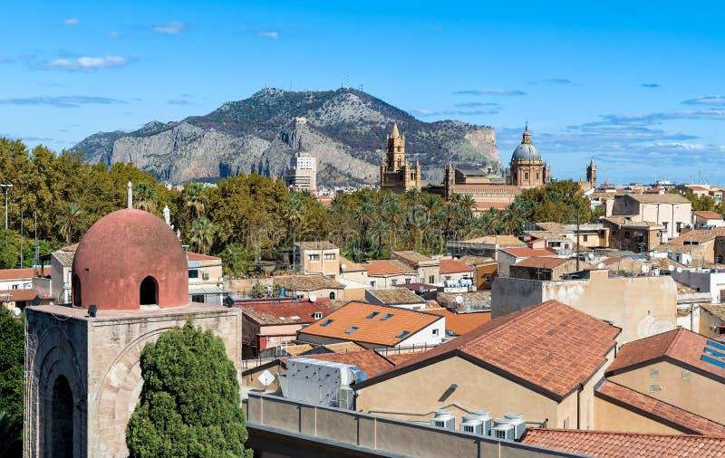 Bästa sikt av den Palermo cityscapen, Sicilien royaltyfria foton