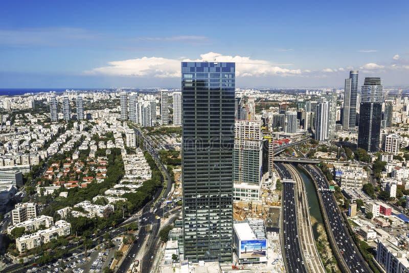 Bästa sikt av det Tel Aviv, Ayalon huvudväg- och Ramat Gan området arkivbild