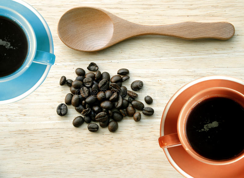 Bästa sikt av kaffekoppar (den retro signalen) royaltyfri fotografi