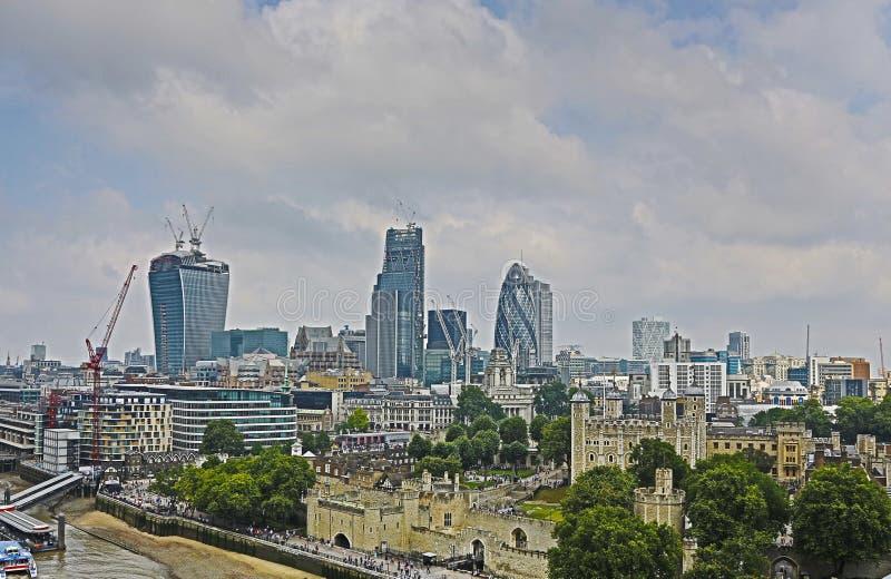 Bästa sikt av London och tornet arkivfoto