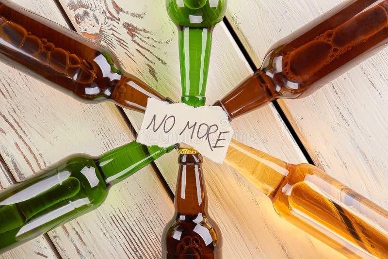 Bästa sikt av meddelandet och flaskor royaltyfri fotografi