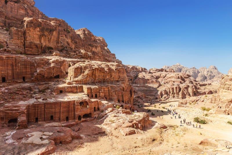 Bästa sikt av Petra - forntida stad, huvudstad av Edomitesen och senare huvudstaden av det Nabataean kungariket, berömd turist- l royaltyfria foton