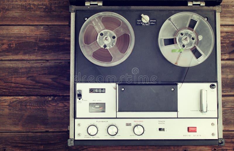 Bästa sikt av rullen som reel tappningregistreringsapparat arkivbild