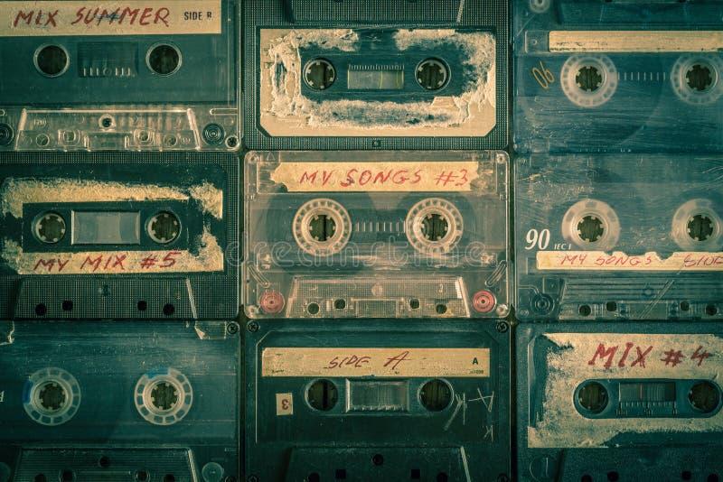 Bästa sikt av samlingen av retro ljudband royaltyfri foto