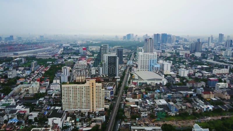 Bästa sikt av skyskrapor i en storstad Cityscape av staden i asia Thailand Bästa sikt av den moderna staden i Thailand royaltyfria foton
