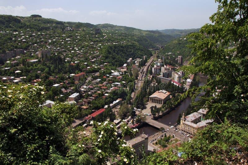 Bästa sikt av staden av Chiatura royaltyfri foto