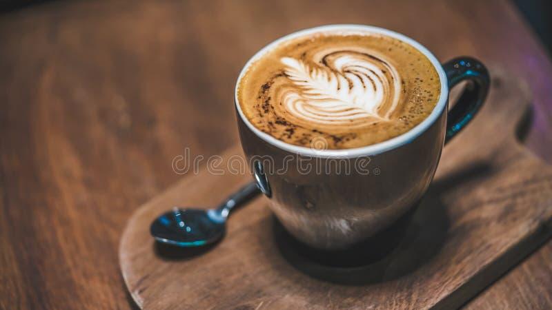 Bästa sikt av varmt lattekaffe royaltyfri foto
