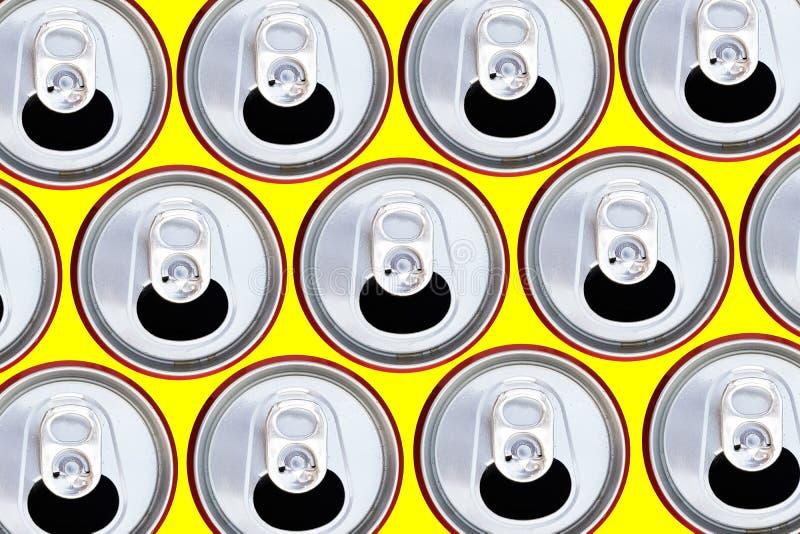 Bästa sikt för metalliska cans som återanvänder begrepp fotografering för bildbyråer