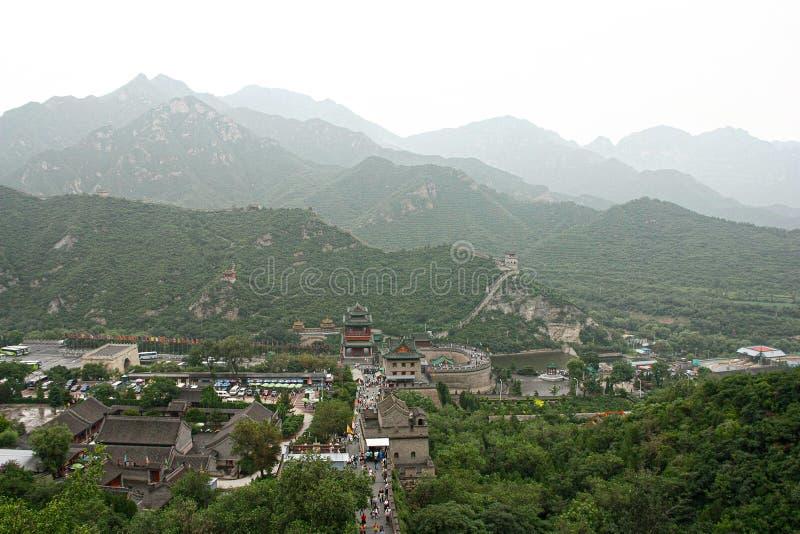 Bästa sikt på den stora väggen av Kina på det Badaling territoriet royaltyfri fotografi