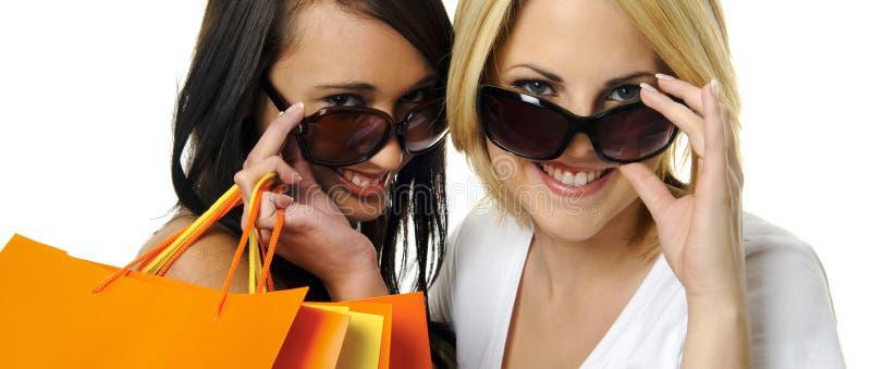 Bästa vän går att shoppa arkivbild