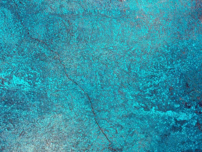 Błękitnej ściany krakingowa powierzchnia zdjęcia royalty free