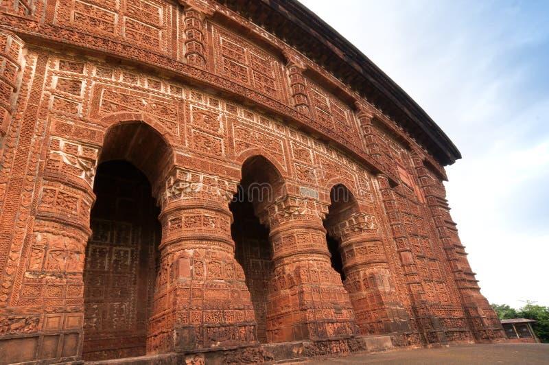 Bågar av den Jorbangla templet, Bishnupur, Indien arkivbild