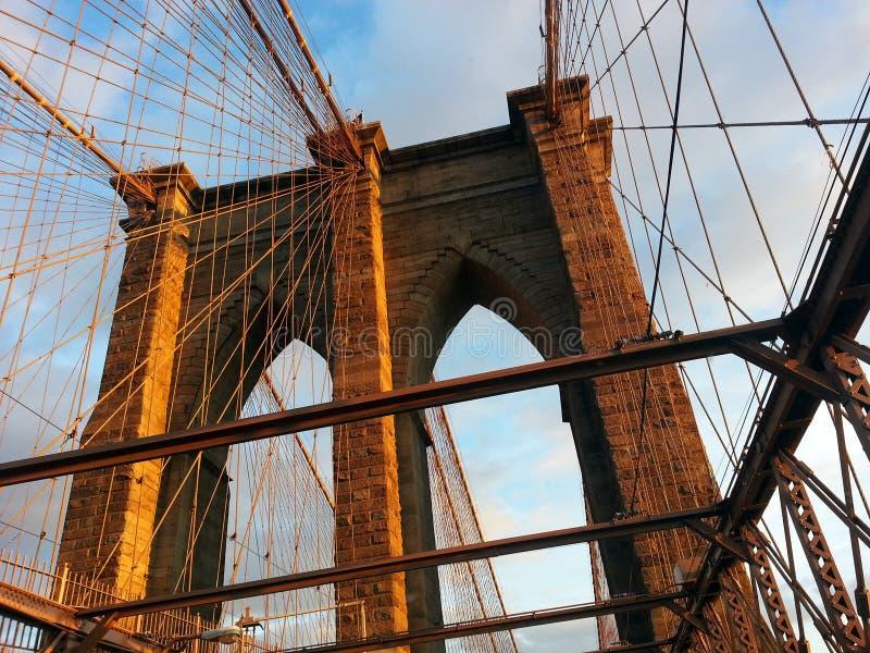 Bågar för Brooklyn bro royaltyfria foton
