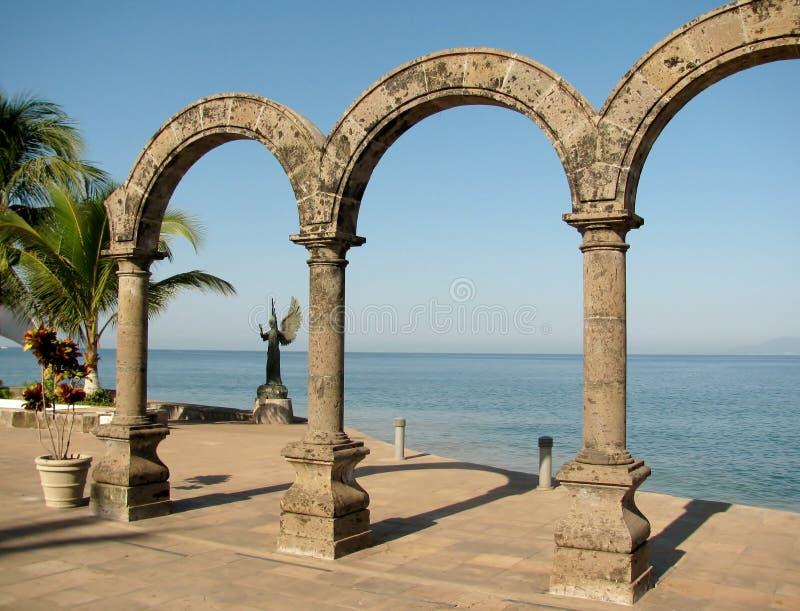 Bågarna av Puerto Vallarta, Mexico royaltyfria foton