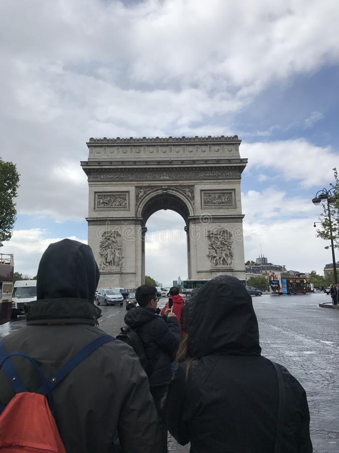 Båge de Thriomphe royaltyfri fotografi