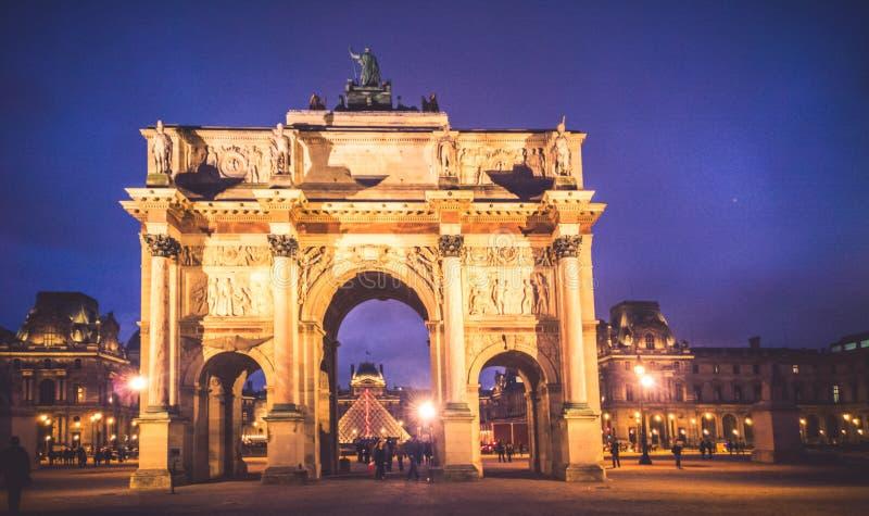 Båge Triumph, Paris royaltyfria foton