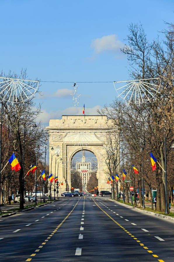 Bågen av Triumph Arcul de Triumf från Bucharest Rumänien arkivbilder