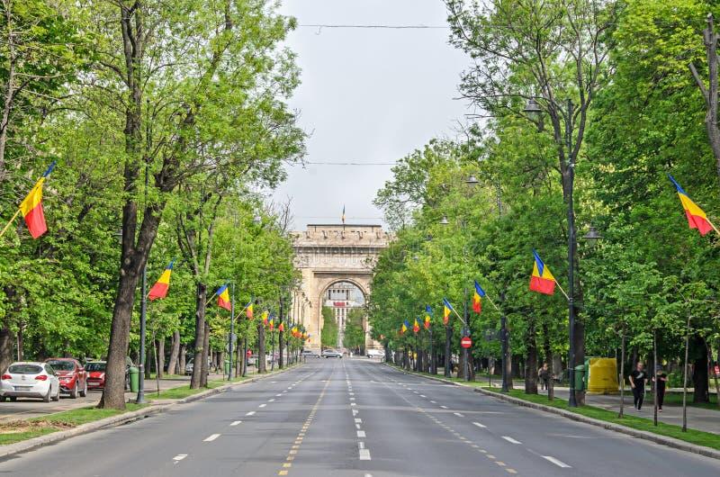 Bågen av Triumph Arcul de Triumf från Bucharest Rumänien royaltyfri bild