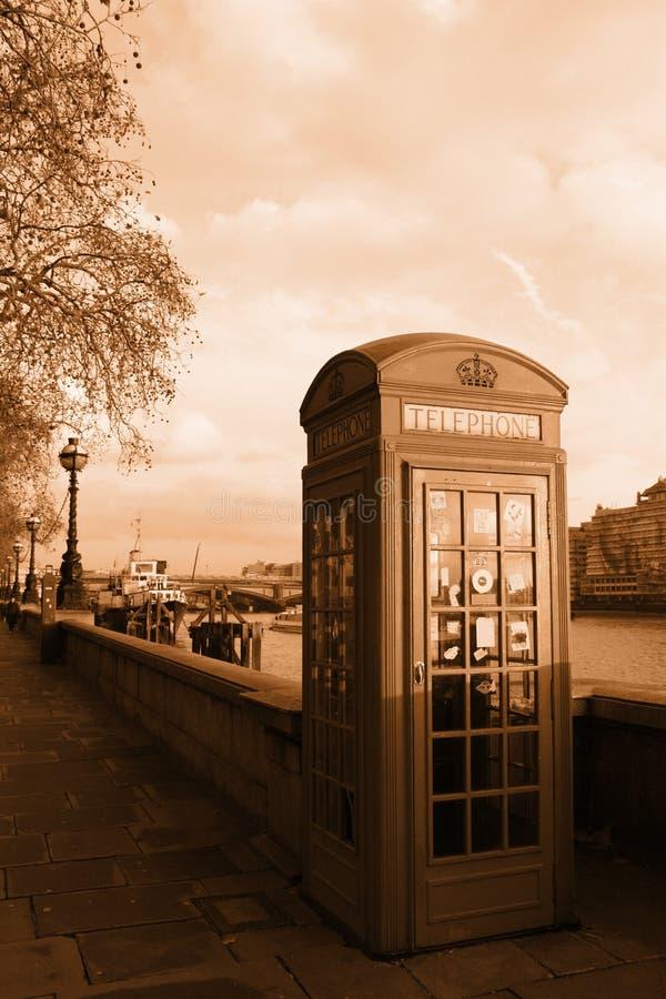 båslondon telefon royaltyfri foto