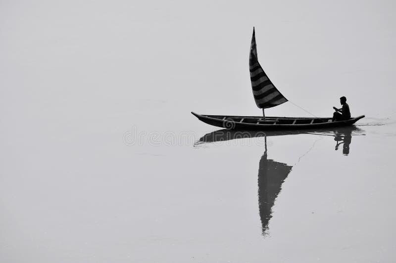 Båtuthyrare och floden arkivfoton