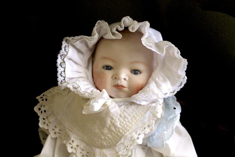 Bébé antique de poupée photos libres de droits