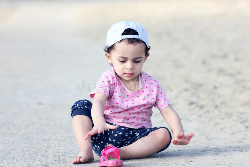 Bébé arabe heureux images libres de droits