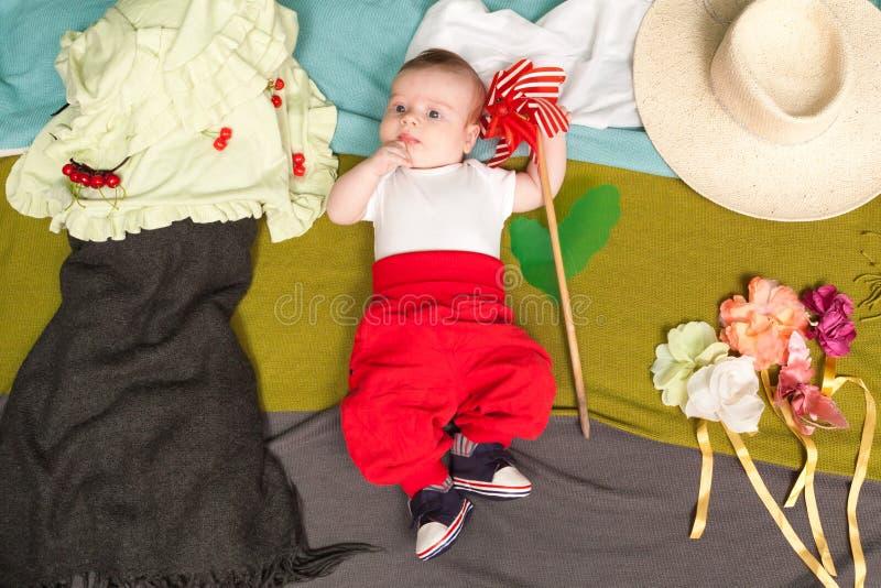 Bébé avec le propulseur image stock