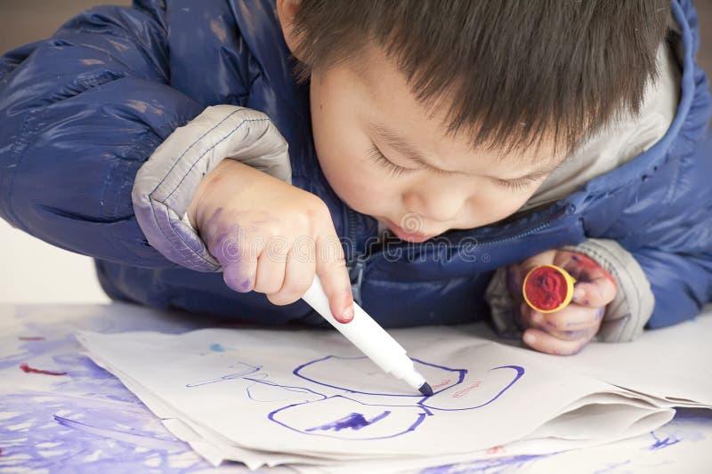 Bébé de peinture photographie stock libre de droits