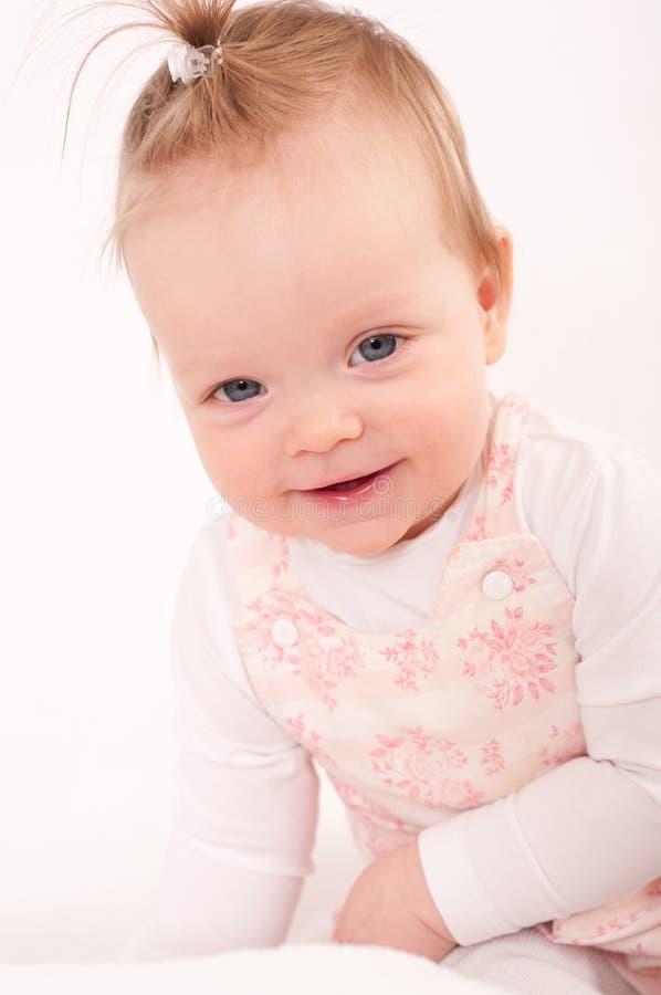 Bébé de sourire riant mignon heureux photographie stock libre de droits