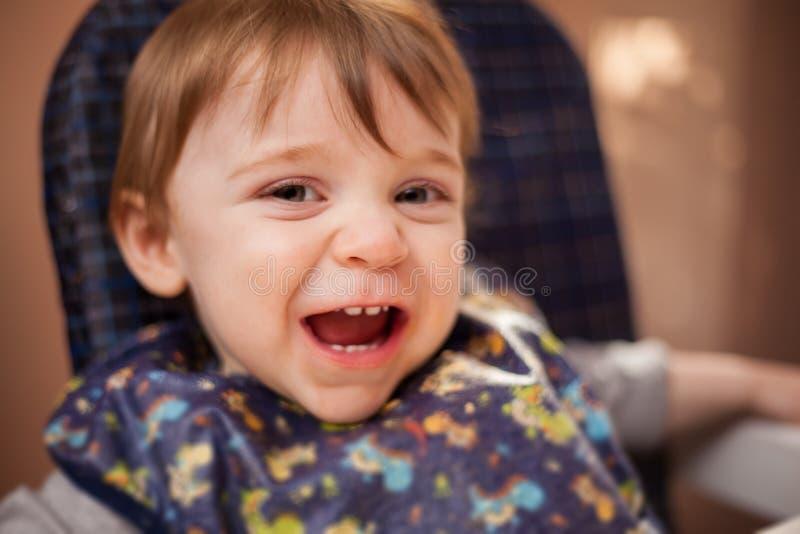 Bébé heureux tout préparé images stock