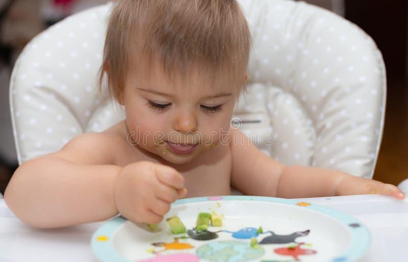 Bébé, mangeant, visage humain, appartenance ethnique caucasienne 11 image libre de droits