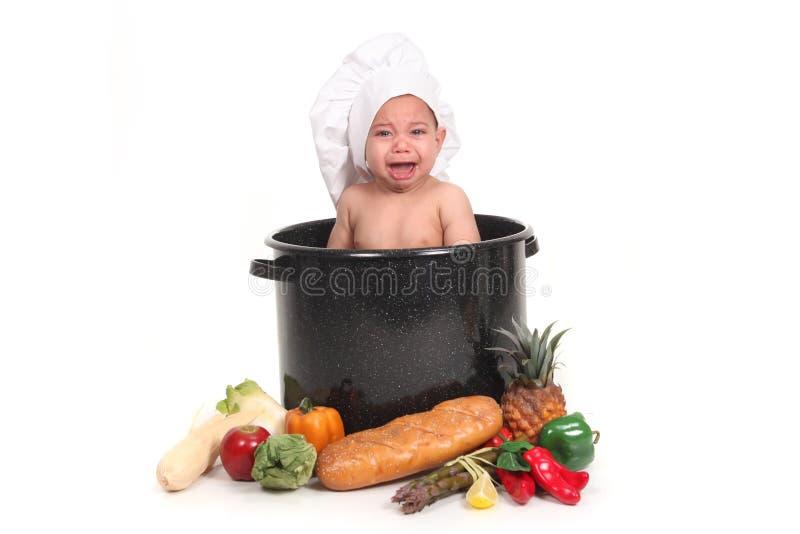 Bébé pleurant pendant une pousse de verticale images stock