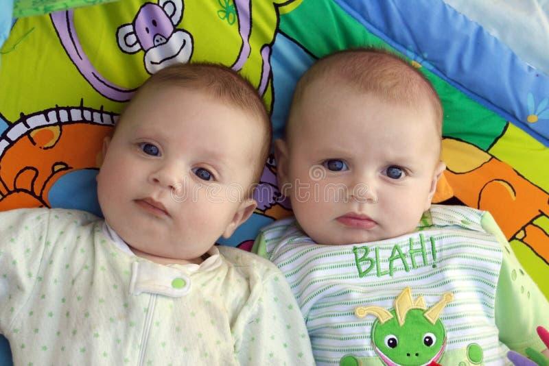 """Résultat de recherche d'images pour """"images de jumeaux bebes"""""""