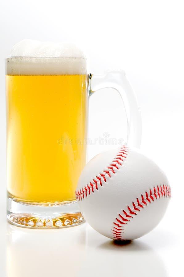 Béisbol y cerveza fotos de archivo libres de regalías