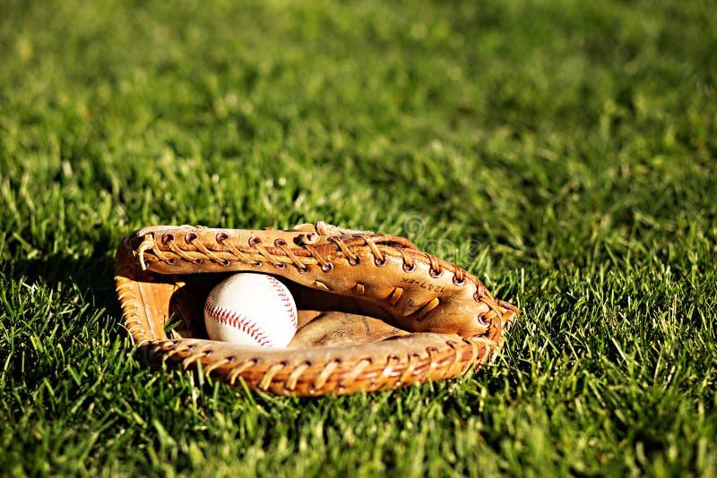 Béisbol y guante 1 foto de archivo libre de regalías