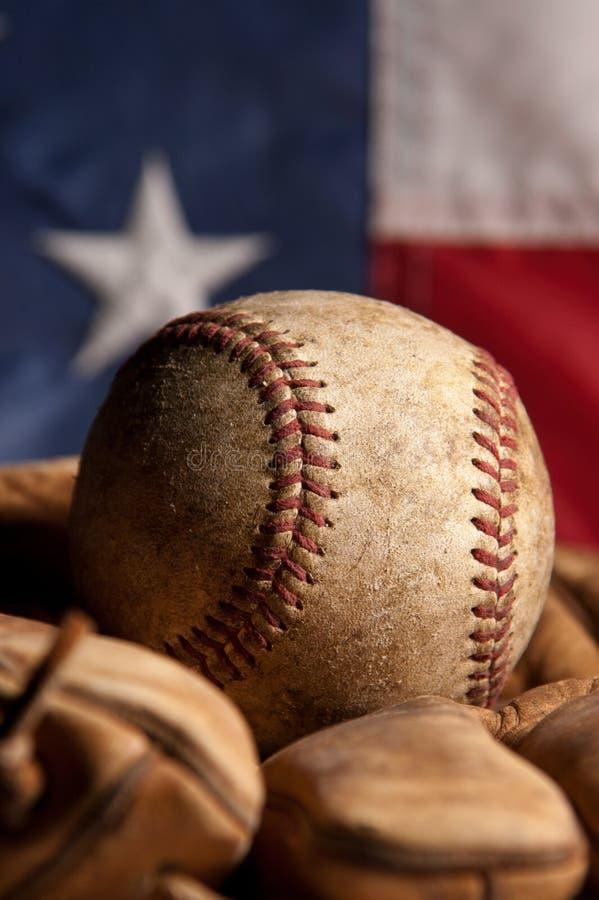 Béisbol y guante de la vendimia foto de archivo libre de regalías