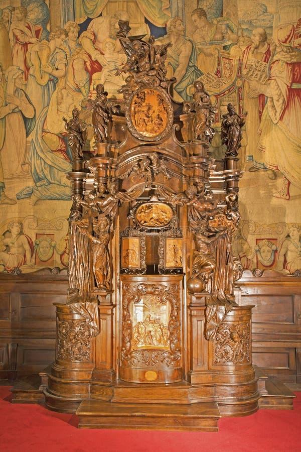 Bérgamo - caja barroca de la confesión de la catedral foto de archivo libre de regalías